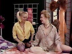 Cunnilingus, Lesbian, Stockings, Strapon